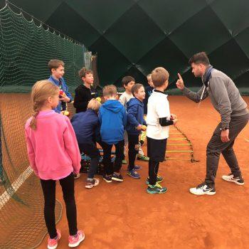 Rozgrzewka w Tenis Kozerki