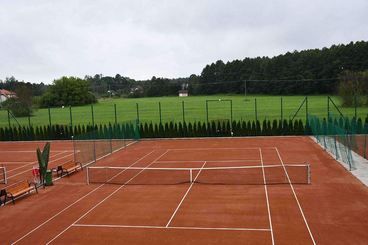 Clay tennis courts